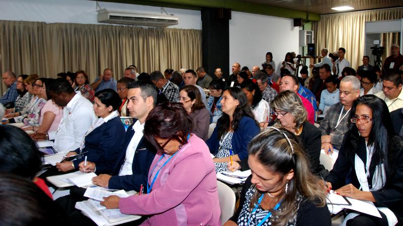 Participó Díaz-Canel en los análisis de la Comisión de Asuntos Económicos
