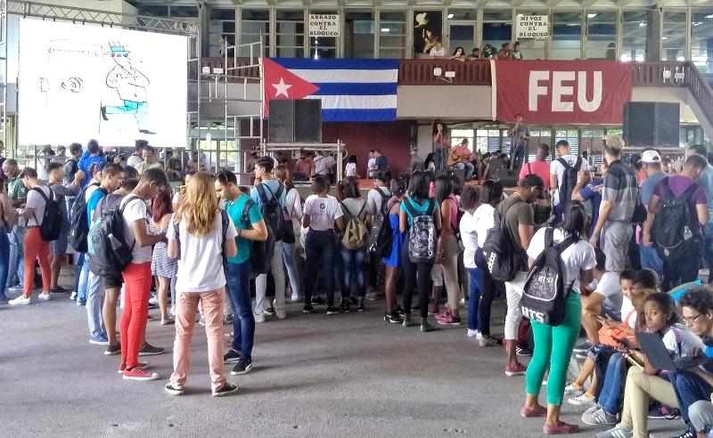 Avispero universitario condena bloqueo a Cuba