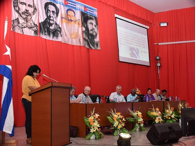 Alegría de cienfuegueros por visita de Presidente cubano