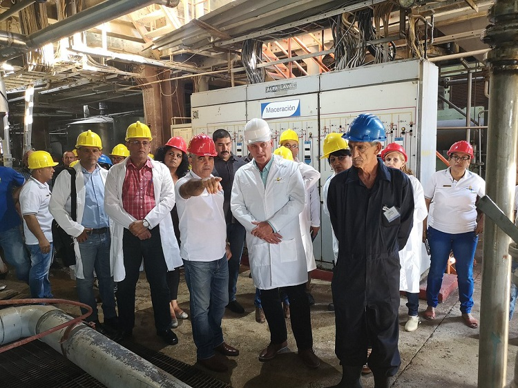Diaz-Canel visits main economy areas of Cienfuegos