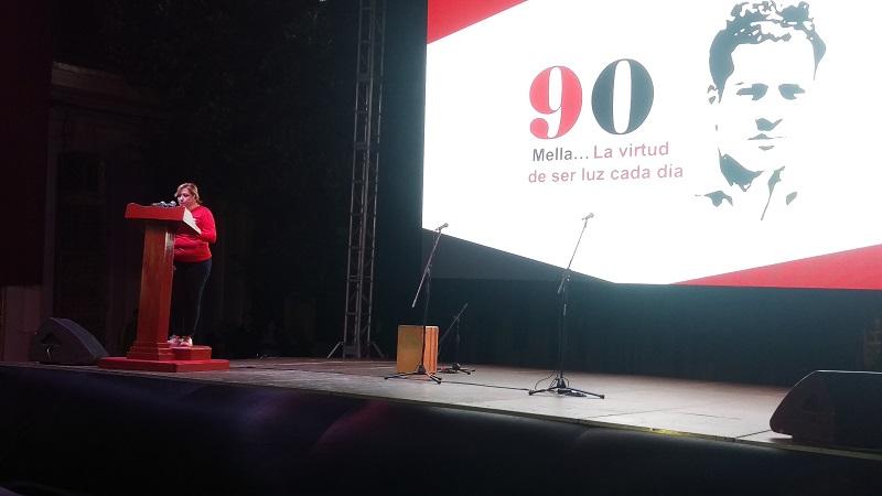 Envían Raúl y Díaz-Canel ofrendas para honrar a Mella