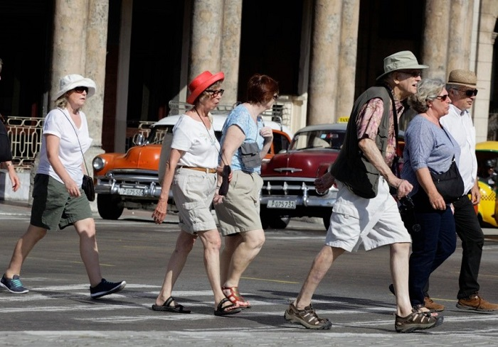 Cuba will reach four million tourists in the next few days