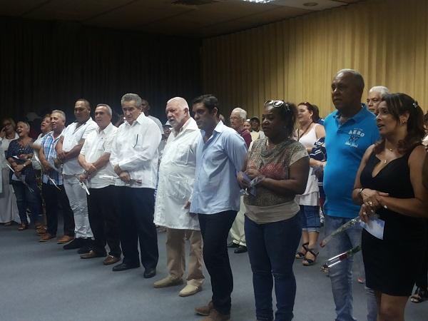 Reconocen colectivos laborales y trabajadores destacados en La Habana