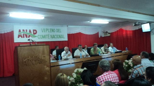 Debaten medulares temas del campesinado cubano en pleno de la ANAP