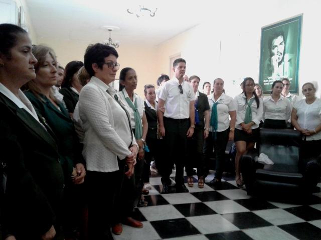 Trabajadores bancarios cienfuegueros solidarizados con Venezuela