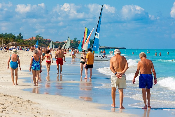 Foreign tourists return safely to their countries from Cuba