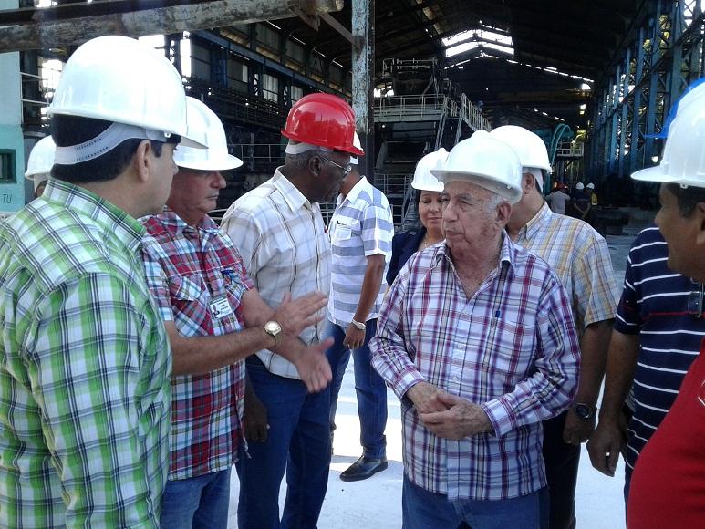 Visitan José Ramón Machado y Salvador Valdés Mesa centrales tuneros