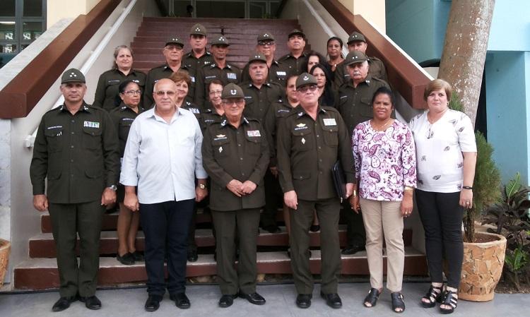 Felicita Ministro del Interior a la Dirección de Inmigración
