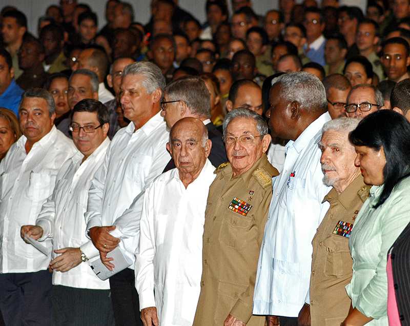 Raul Castro Presides the Activity for the Centennial of the October Revolution
