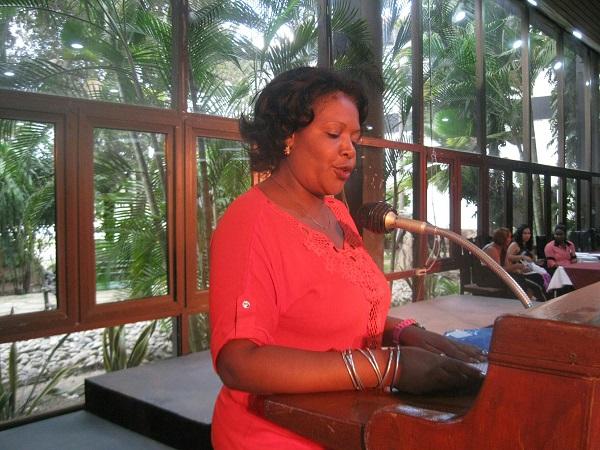 Reconocen en Santiago de Cuba a trabajadores de la cultura