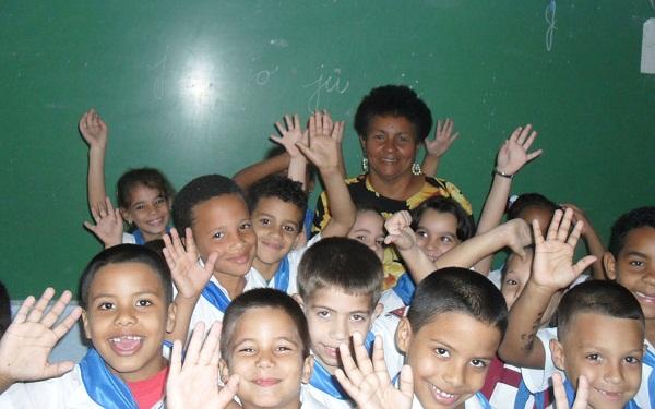 Miles de niños aprendieron a leer y a escribir este curso en Cuba