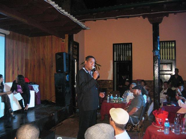 Homenaja al bolerista santiaguero Fernando Álvarez