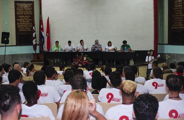 Presencia Díaz-Canel intercambio estudiantil universitario