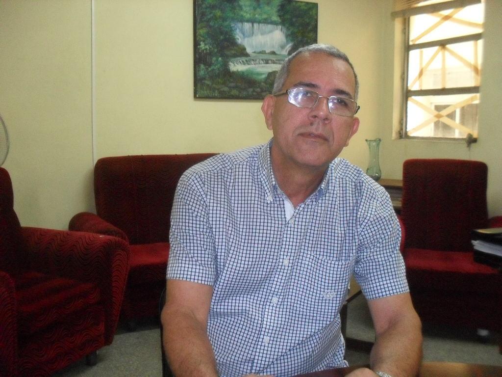 Doctor en Ciencias Manuel Valle Fasco, jefe de la dirección de profesionales del Ministerio de Educación Superior. Foto: Teresa Valenzuela