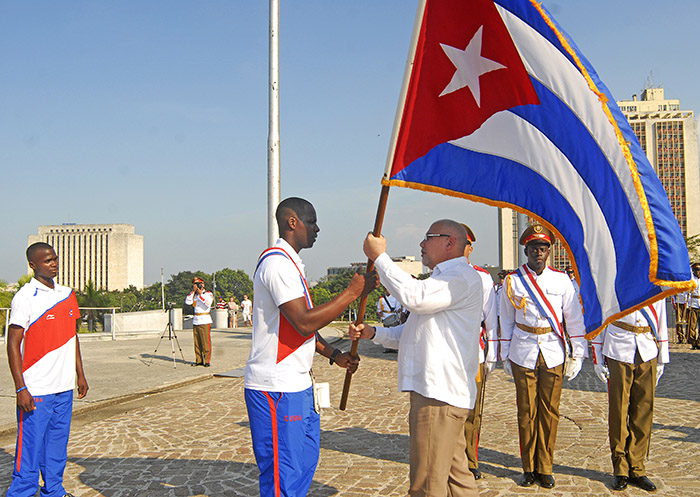 Abanderan equipo Cuba al torneo Premier 12. Foto: Abel Rojas Barallobre