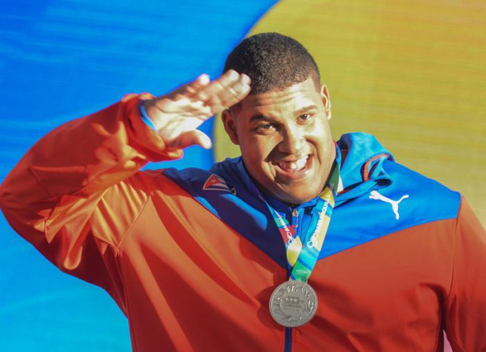 Título y récord para Cuba en las pesas