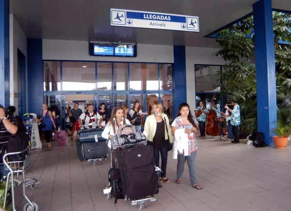 Washington multa a agencia de viajes holandesa por transportar personas a Cuba