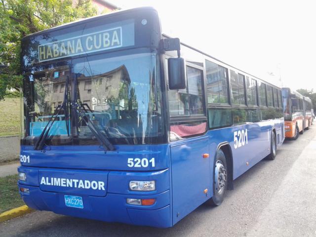 Llega a Cuba más de un centenar de nuevos ómnibus para el transporte público